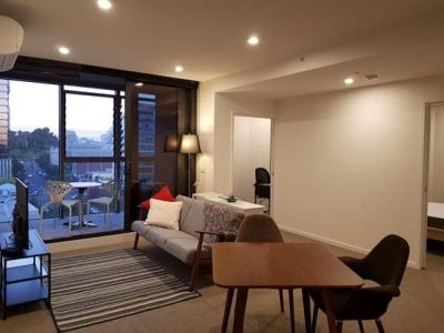 Kings Domain: Stunning One Bedroom Apartment plus Study Awaits!