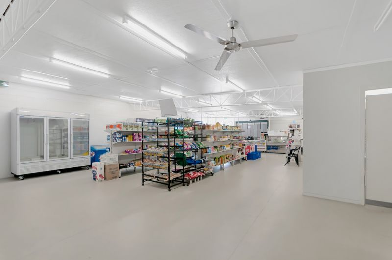 Freehold sale including new kitchen fit-out!