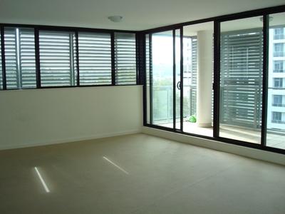 Modern & North-facing 3 Bedroom Apartment!