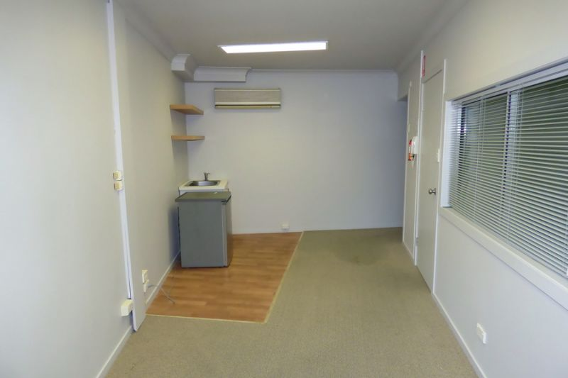 A NEAT LITTLE OFFICE IN GREAT LOCATION - AVAILABLE NOW