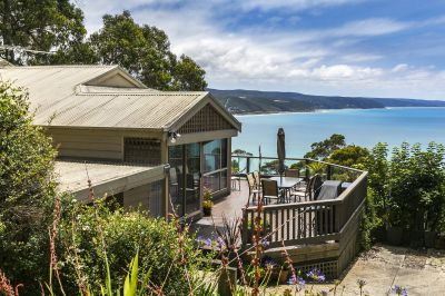 BLUE CHIP LOCALE WITH STUNNING VIEW