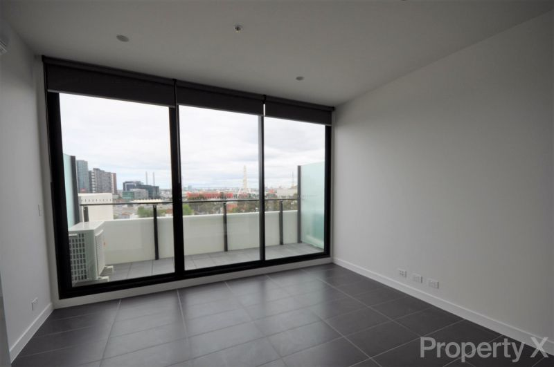 NOW LEASING -ONE BEDROOM with CARPARK!