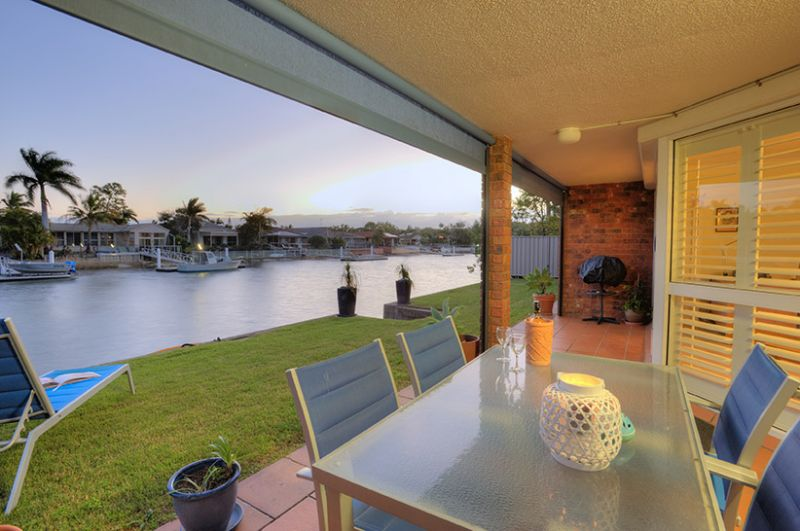 DREAM WATERFRONT LIVING -ONE OF FOUR