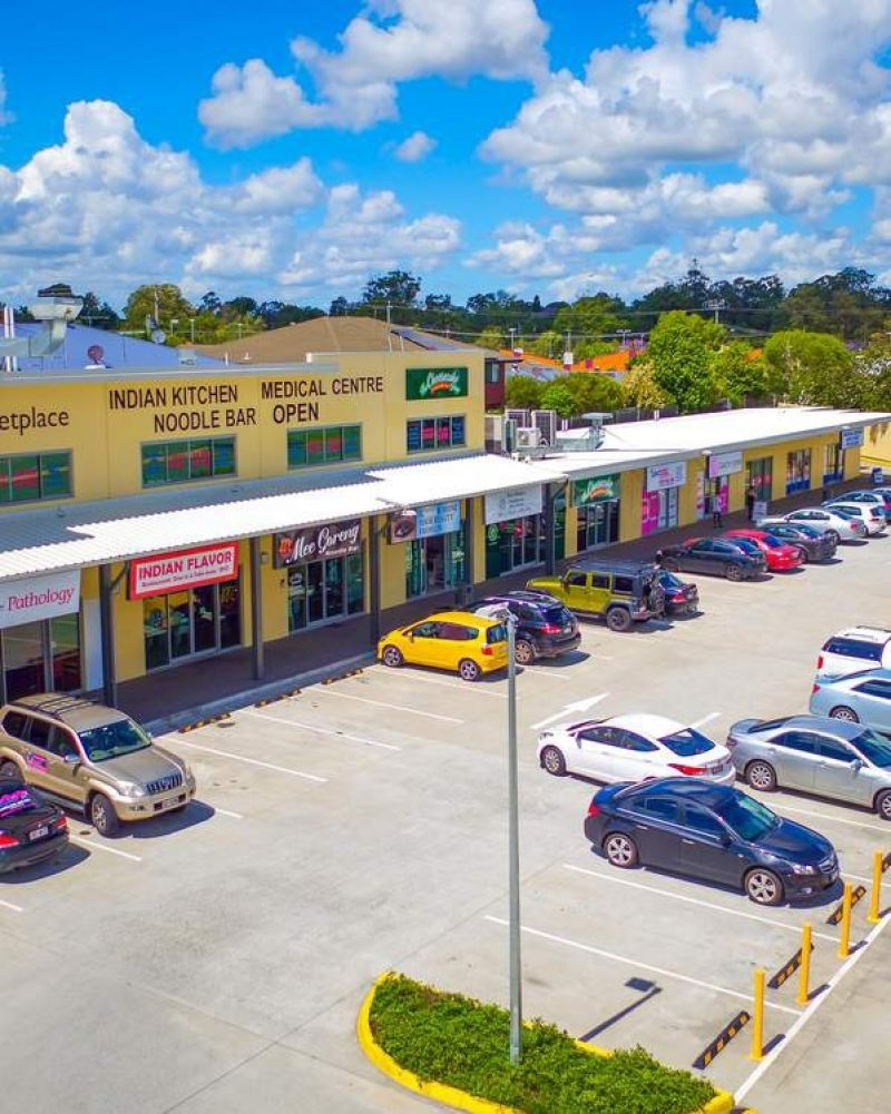 PRIME RETAIL INVESTMENT 13 TENANCY RETAIL SHOPPING CENTRE