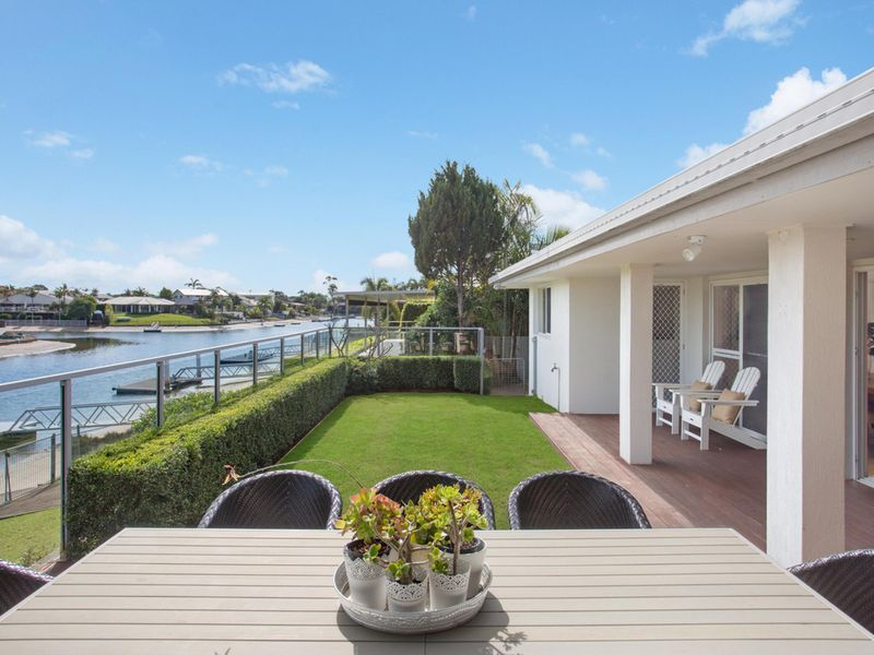 Exclusive Location - Just off the Main River