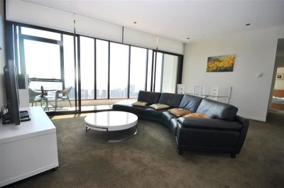 Victoria Point: Furnished - Stunning Docklands Apartment!