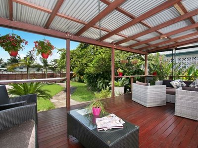 RENOVATE FAMILY HOME, SECLUDE & PRIVATE