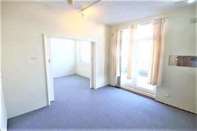 Well Presented One Bedroom Apartment