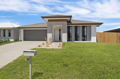 DISPLAY HOME QUALITY THAT NEEDS TO BE LOVED!