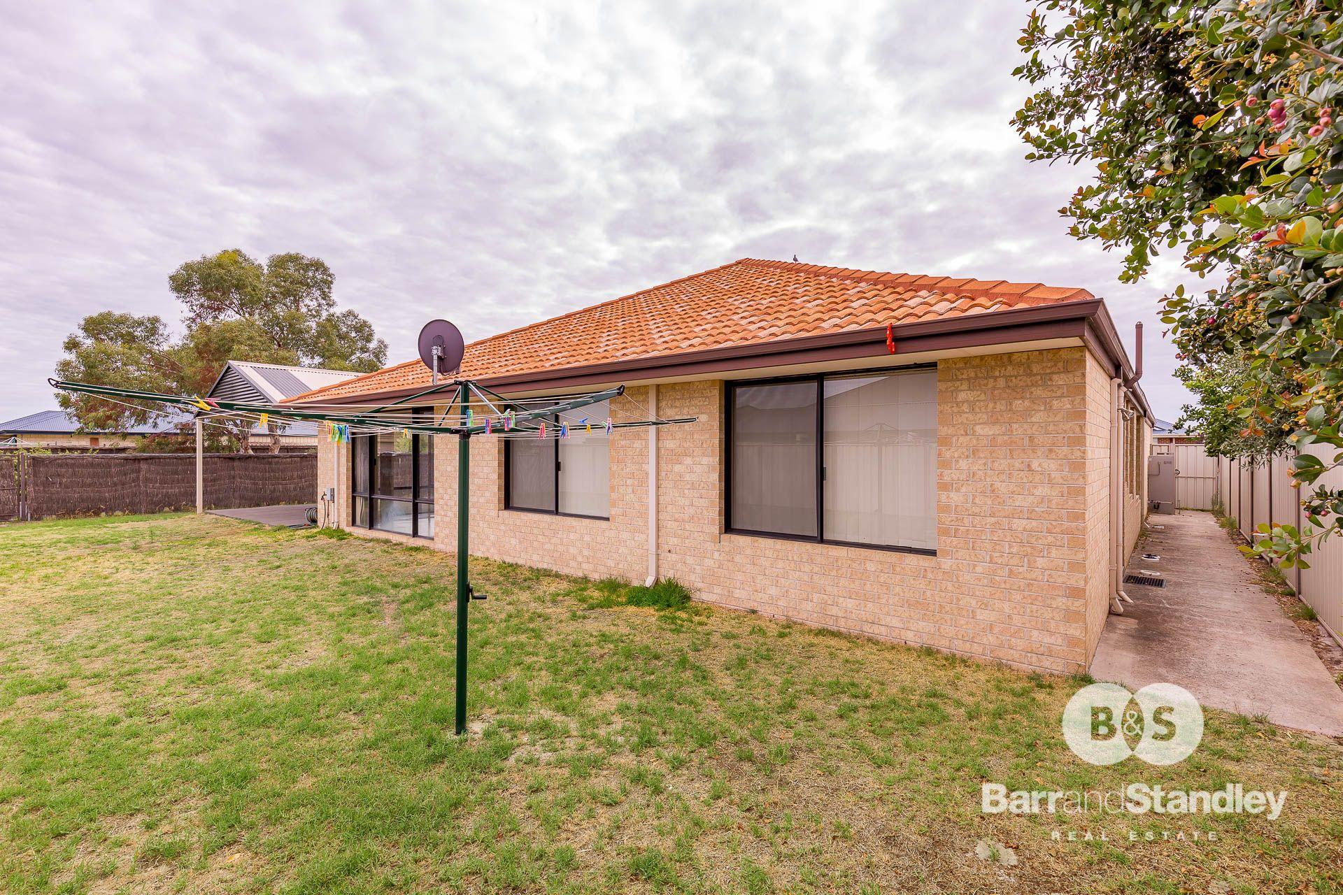 32 Grandite Fairway, Australind