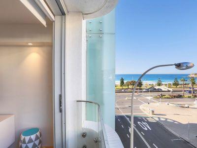 Luxurious Beachfront Pad in Bondi's Iconic Pacific