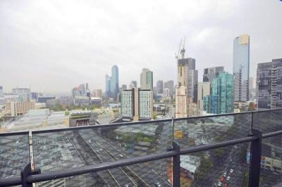 Mainpoint: 26th Floor - Treat Yourself With This Stunning Apartment!