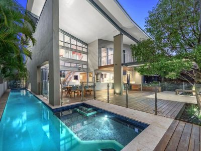 Ultra Modern & Beautifully Tranquil Residence Just Steps to New Farm Park