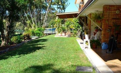 Ground floor Single Level Villa with peaceful Views!