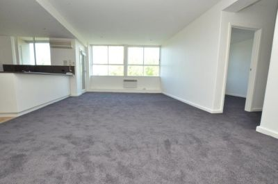 Stanton Apartments - Renovated & Spacious 3 Bedroom Beauty!