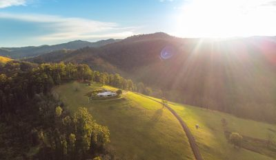 Outstanding off-grid rural property with stunning views