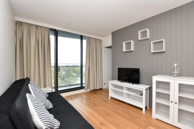 Emerald: Stunning and Furnished Two Bedroom Apartment Awaits!