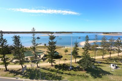 MUST Sell - Stunning 8th Floor Apartment - Unobstructed Views - Brilliant Buying!