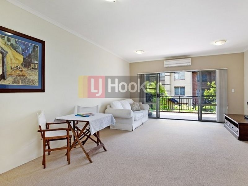 16/8 Williams Parade, Dulwich Hill