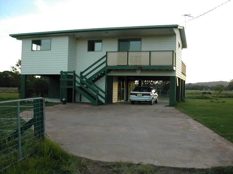 LARGE 3BEDROOM HOUSE ON 3/4 OF AN ACRE