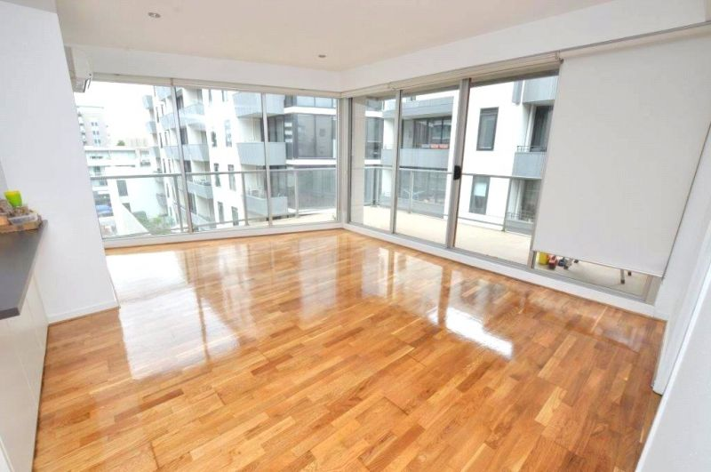 Stunning Two Bedroom Apartment in A Fabulous Location! L/B