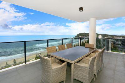 Beachfront luxury apartment with panoramic ocean views