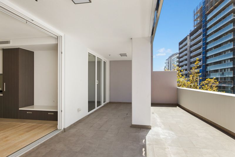 Excellent One bedroom apartment with oversized terrace balcony
