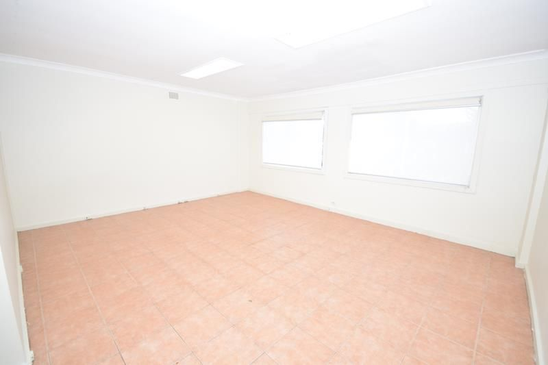2 Weeks Free Rent - Large Studio Flat Close to Maroubra Beach - Must See!!!