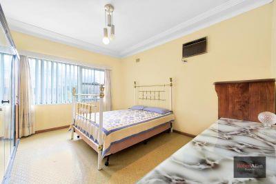 Room For Rent/Men Only/$180 per week