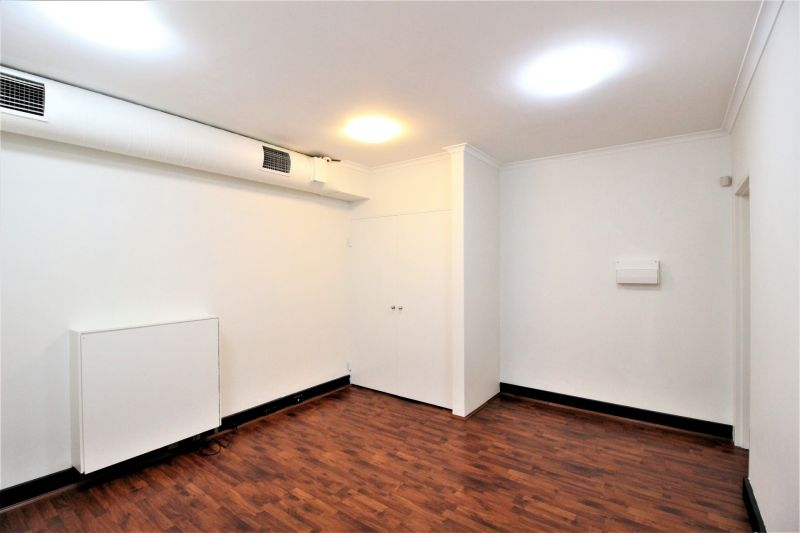AFFORDABLE GROUND FLOOR OFFICE!