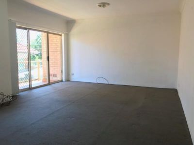 ONE BEDROOM APARTMENT IN EXCELLENT LOCATION