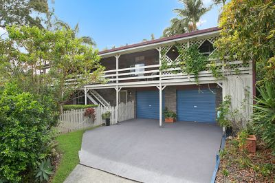 Spacious, 962m2 block with dual living & renovation opportunities
