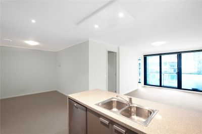 Southbank One: Spacious One Bedroom Apartment In A Fantastic Location!