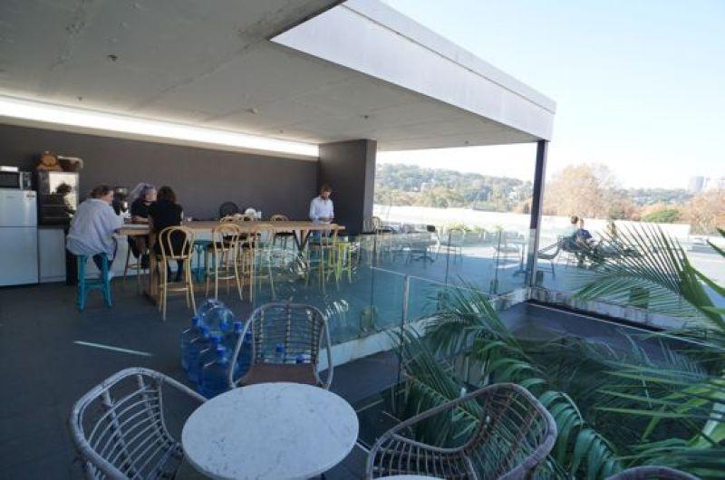 LINGATE HOUSE - MODERN CORPORATE HQ