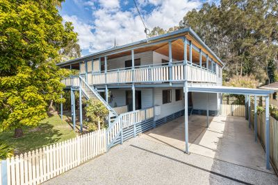 Character Queenslander with Dual Living