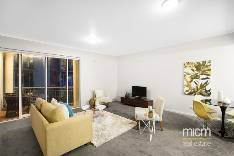 Refurbished Southbank Retreat. Popular Complex + Sought After Location