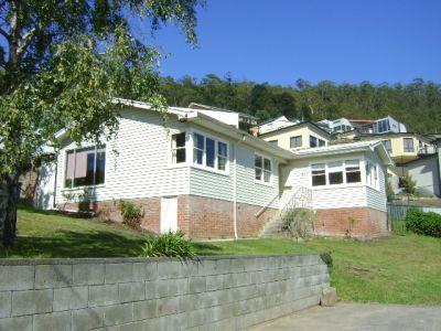 27 Hillside Crescent, West Hobart
