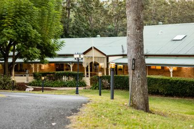 Copperfields  2 Acres of Supreme Lifestyle with dual living.