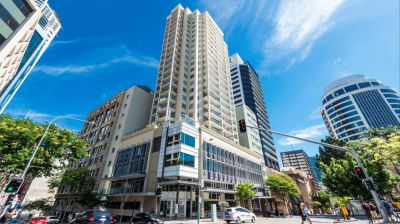 BEAUTIFUL APARTMENT IN THE HEART OF BRISBANE CITY