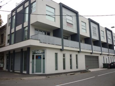 260 St Kilda Rd - Stunning Two Storey Apartment!