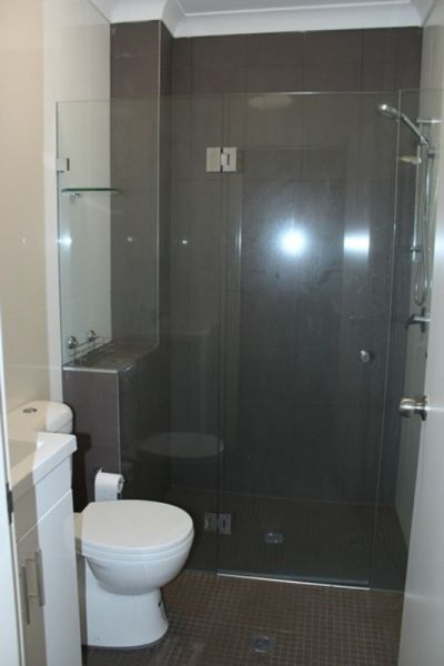 FULLY RENOVATED & FURNISHED ONE BEDROOM APARTMENT - GREAT LOCATION