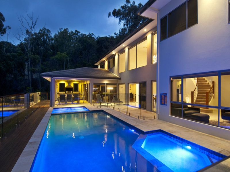 COASTAL VIEWS SETS THE SCENE FOR RELAXED CONTEMPORARY LIVING...