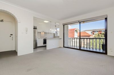 Spacious One Bedroom Moments from the Heart of Coogee