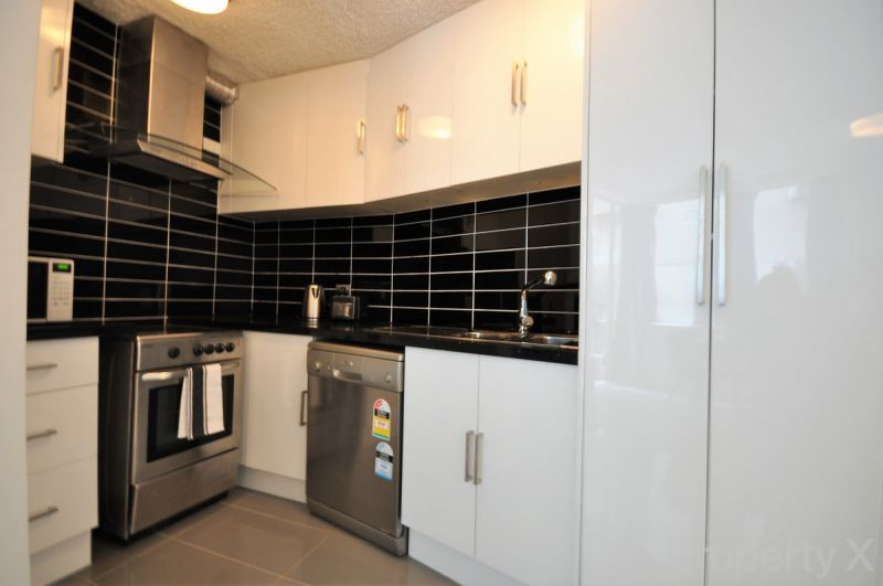 Spacious, Modern & Furnished One Bedroom Apartment!