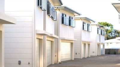 """Modern Townhouse in secure """"Coolum Rise"""""""