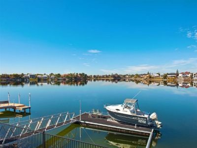 SENSATIONAL WIDE WATERFRONT OUTLOOK