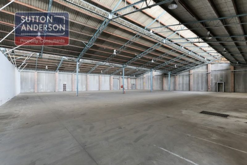 LANE COVE OFFICE/WAREHOUSE APPROX 5500 M2 FOR LEASE - CALL BRAD SUTTON!