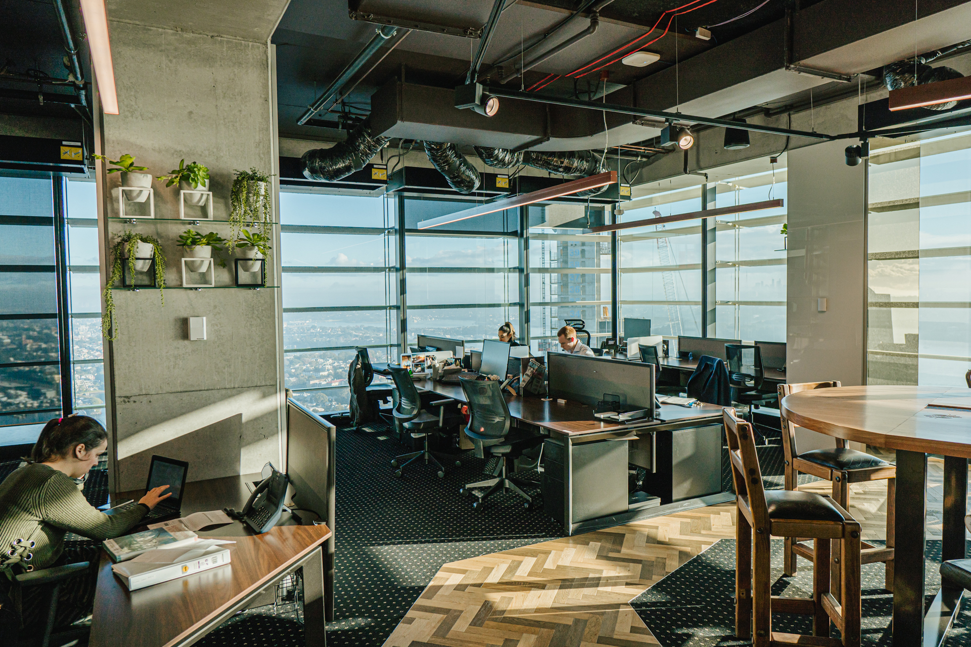Modern workspace for 4 persons with amazing views