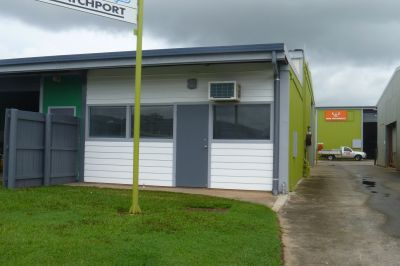Great 130m2 Warehouse with Offices and Showroom!