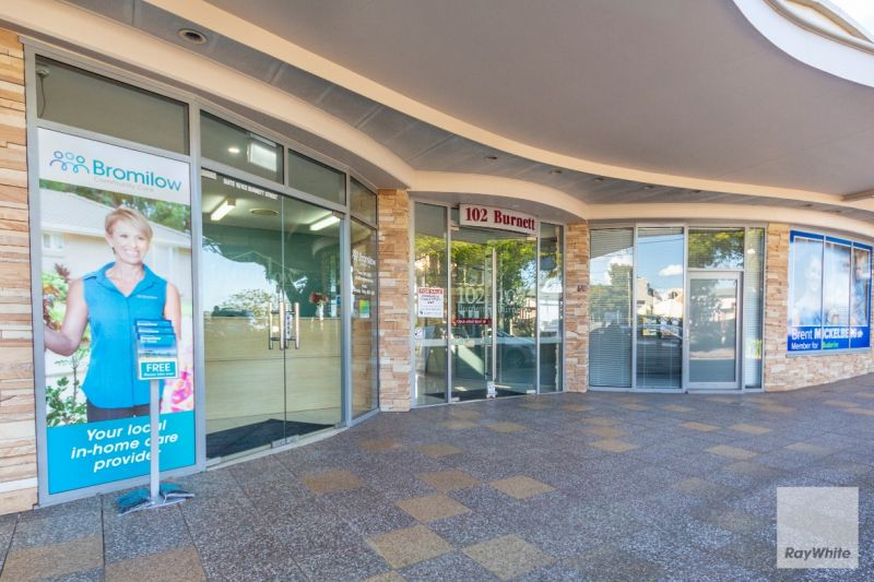 Beautifully Fitted-Out Office/Medical Suite | For Lease